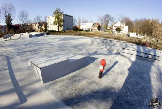 Tarnów - Skate park en béton