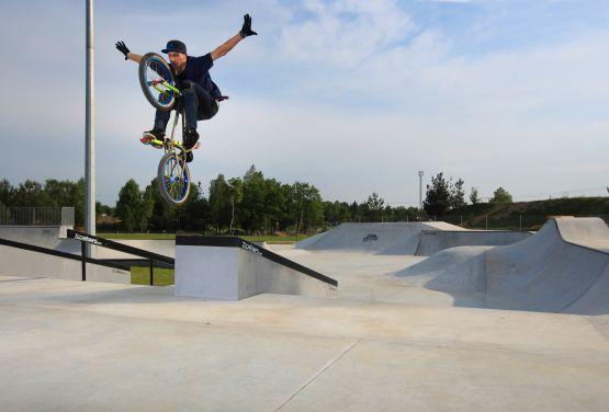 Skatepark betonowy w Olkuszu