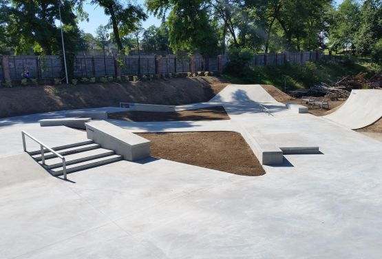 Concrete skateparks - Poland