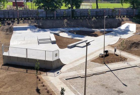 Skatepark en béton Żagań - Pologne