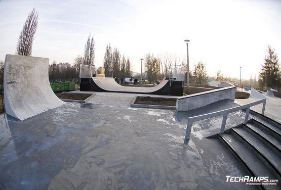 1427/5000 Skateplaza in Krakau Skatepark Mistrzejowice - Krakau In monolithischer Betontechnologie