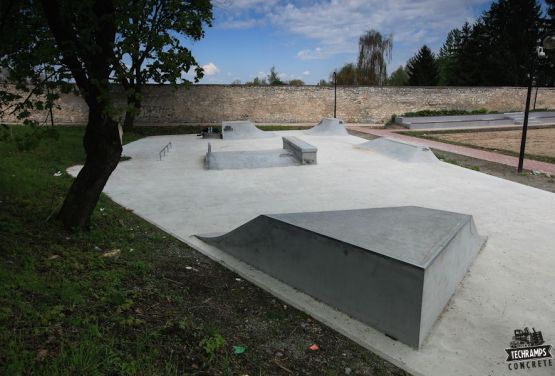 Stopnica de skatepark de hormigón