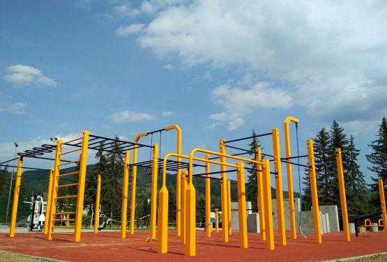 Parkour y Street workout plaza en Maków Podhalański