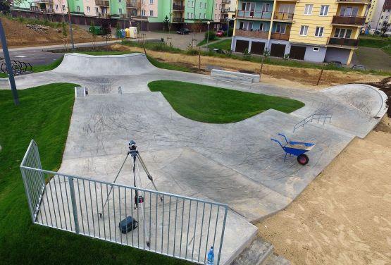 beton skatepark à Świecie