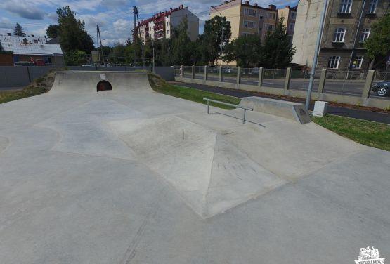 Przemyśl - monolithe de skatepark