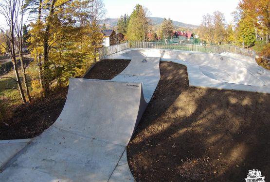 Techramps - Concrete skatepark in Szklarska Poręba in Poland
