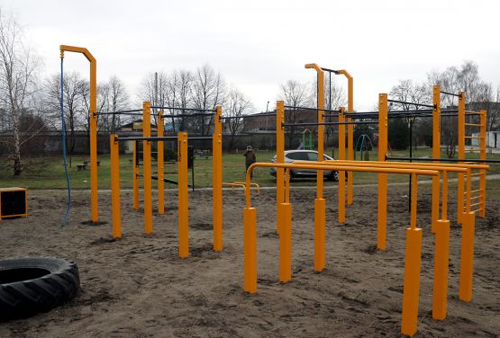Street workout park na świeżym powietrzu