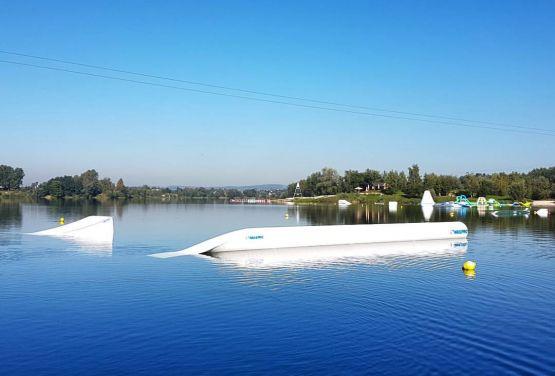 Una foto de un wakepark en Cracovia