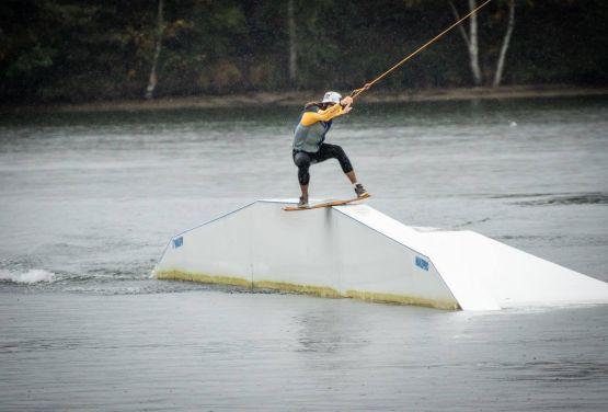 Funbox - boardslide (Meer en Bélgica)