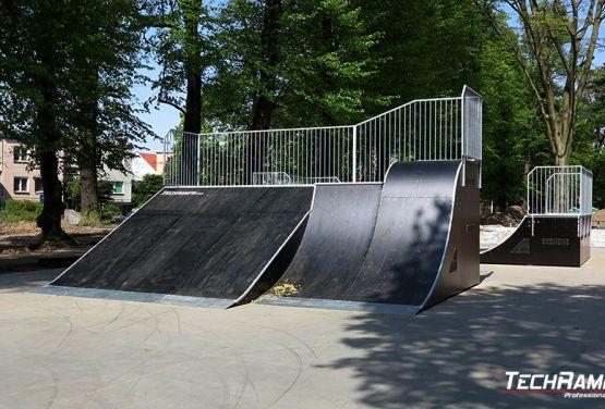 Zespół przeszkód w skateparku w Sulęcinie